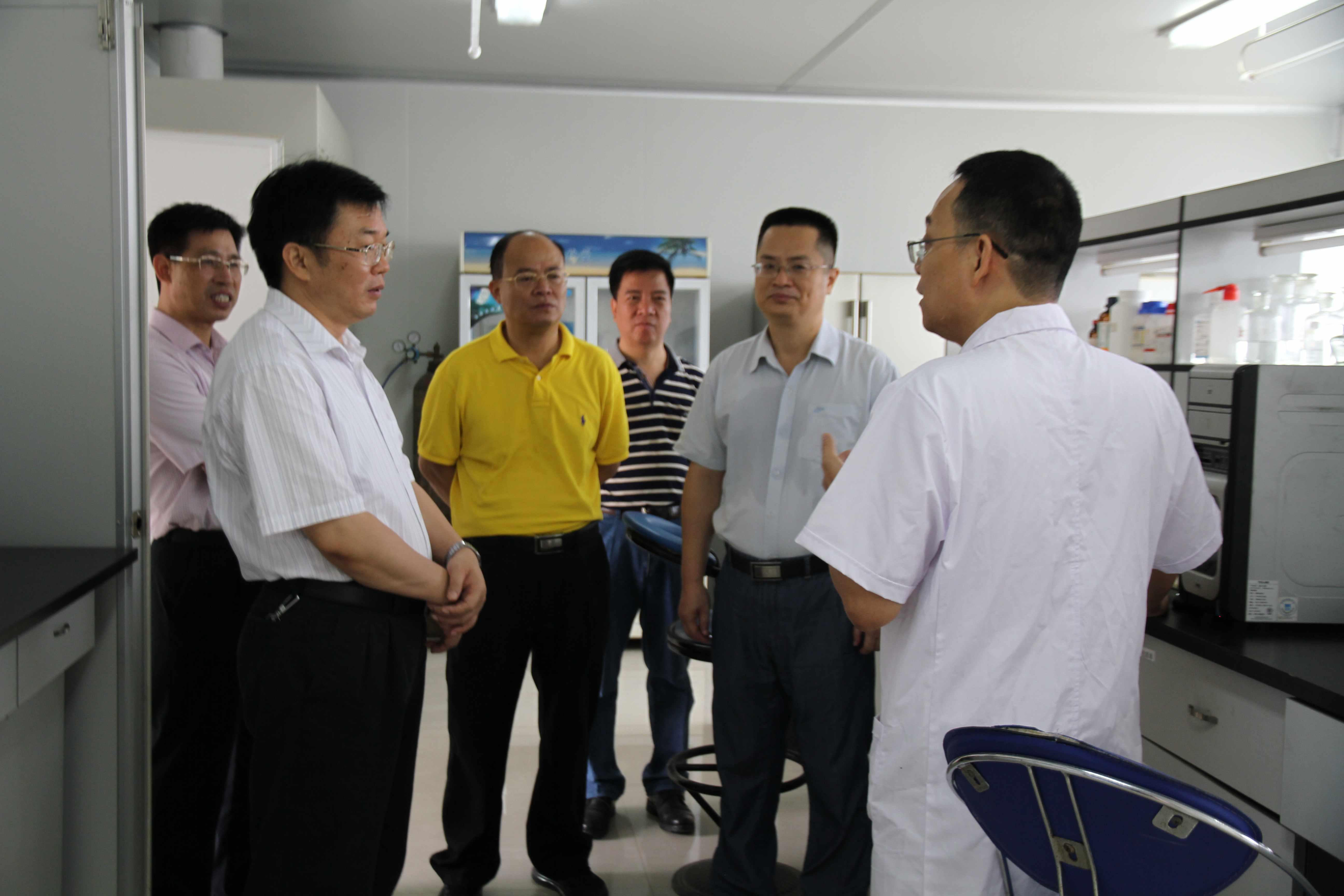 2015.05.18粮食局局长吴宇雄等领导到所里指导工作